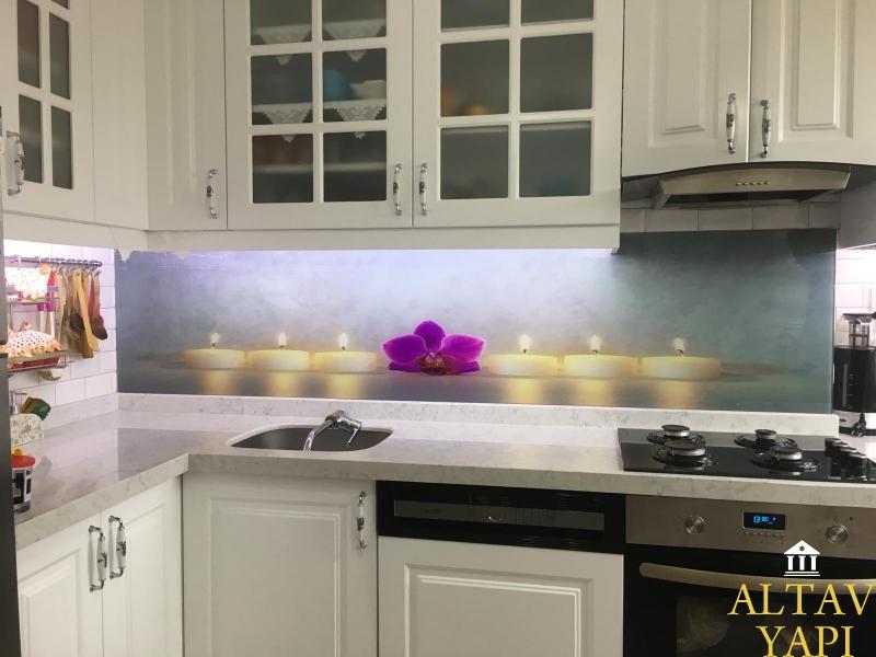 Mutfak Tezgah Arası Cam Paneli Neden Kullanmalıyım?