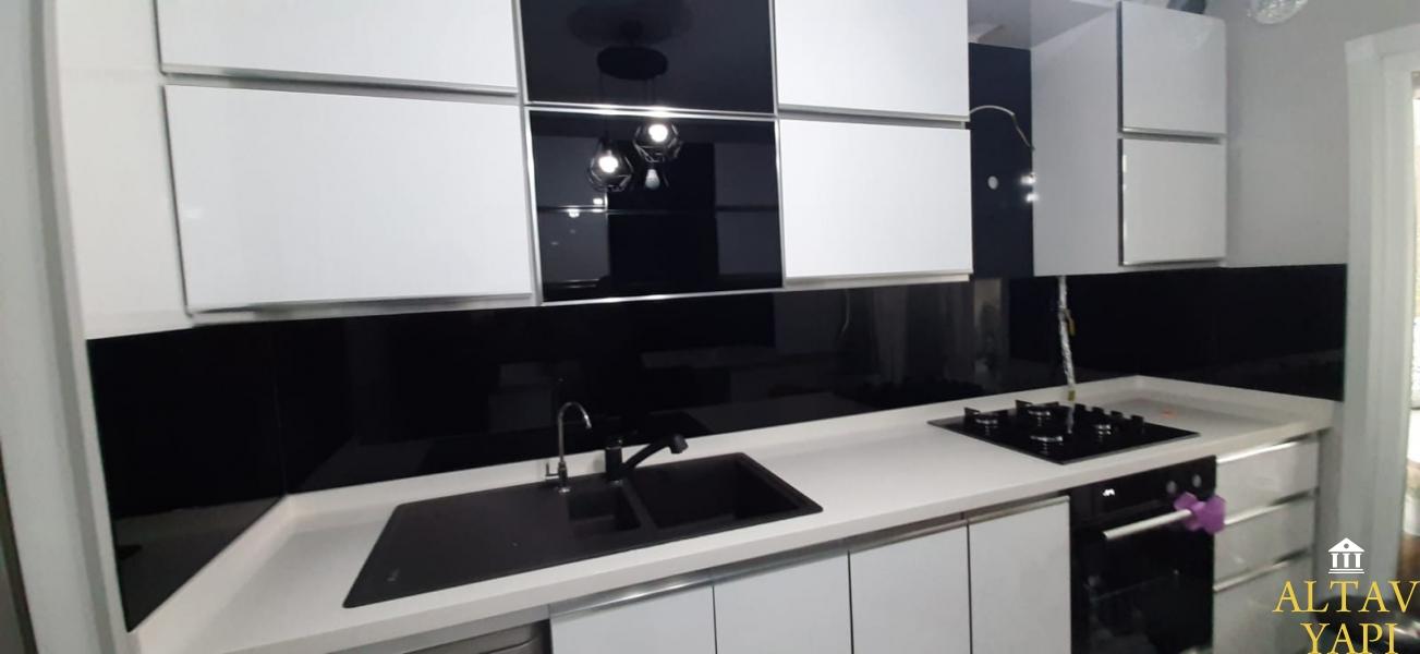 Mutfak tezgah arası cam kullananlar ve tavsiyeleri